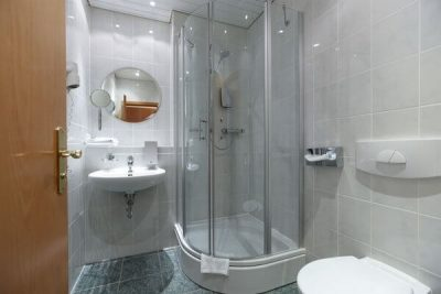 2 3 amenajare baie 3 mp - rezervor toaleta in perete 3