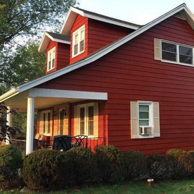culori casa exterior negru rosu 1
