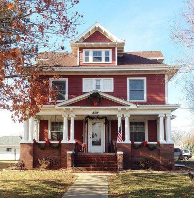 culori casa exterior negru rosu 6