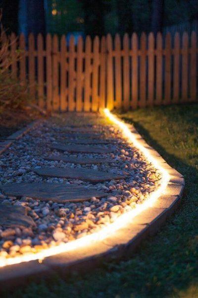 iluminare curte de la tara 2