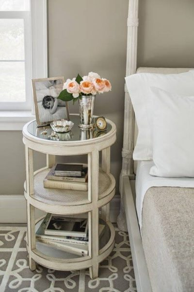 mobila standard pentru un dormitor modern - noptiere 3
